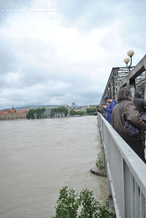 Dunaj zdvihla hladina 5. jún záplavy Bratislava