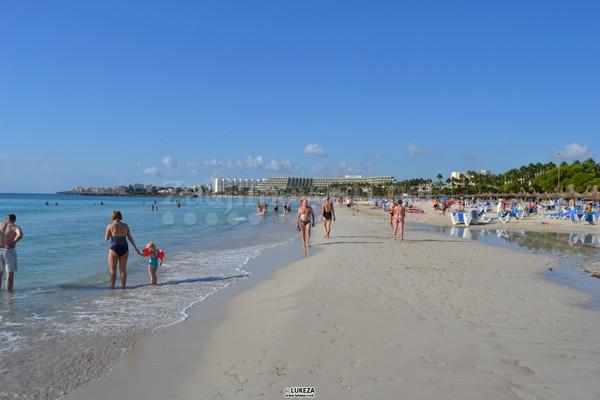 Pláž pri hoteli Mariant