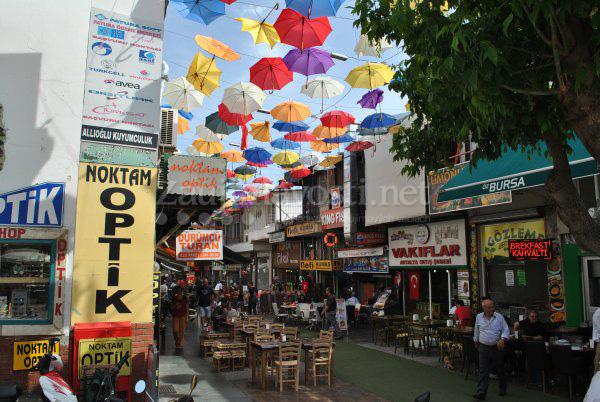 Turecká Antalya farebné dáždniky