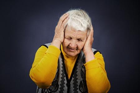 Dôchodkyňa žena bezradnosť, licencia