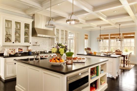 Kuchyňa a biele zariadenie
