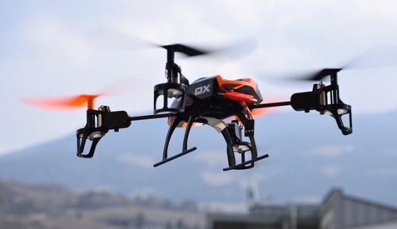 Lietajúce drony a problém