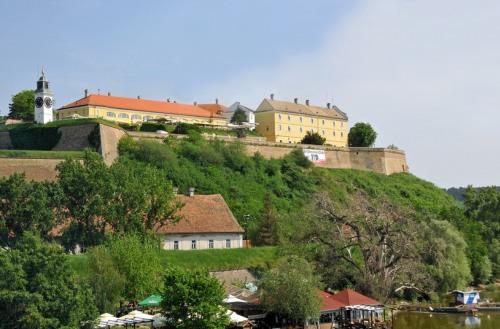 Pevnosť Petrovaradin, Srbsko a Mor ho