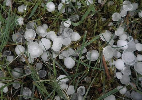 ľadové krúpy a búrková pohroma