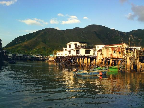 Svojrázny ostrov Lantau  v Hongkongu.