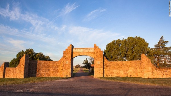 151007171836-waggoner-ranch-entrance-exlarge-169