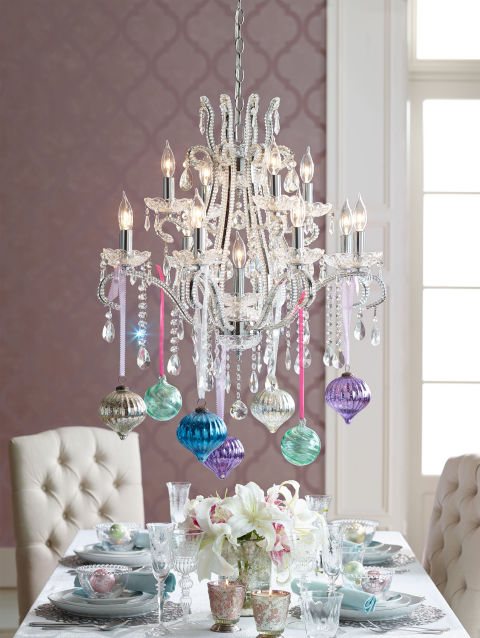 gallery-1449526490-092214-traditional-chandelier-h2