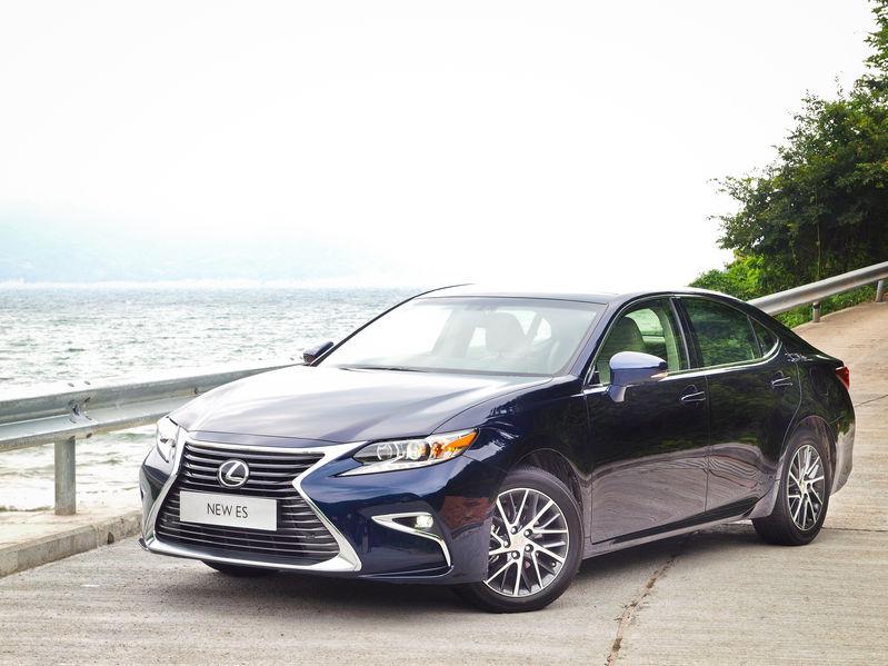 50976998 - hong kong, china sept 11 2015 : lexus es 250 2015 test drive day on sept 11 2015 in hong kong.