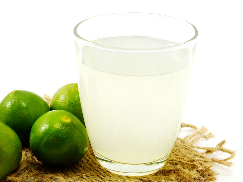 43852585 - glass filled with fresh made lime juice