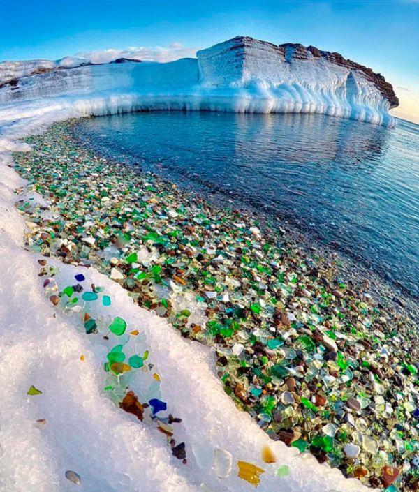 broken-glass-beach-russia-1