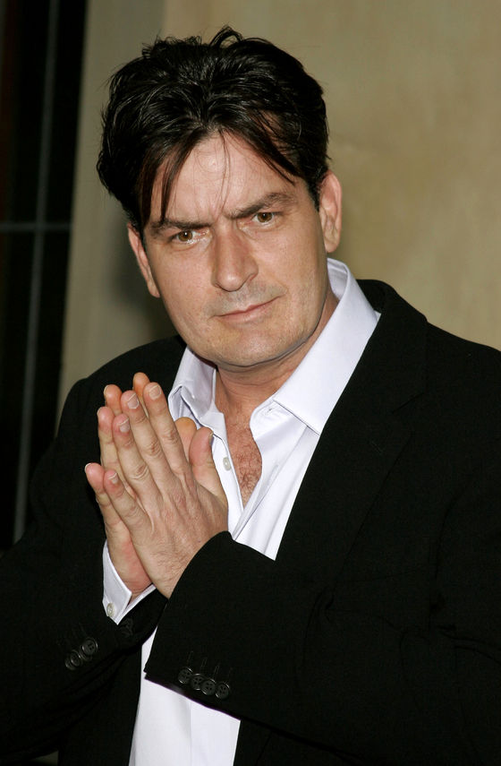 53809560 - charlie sheen at the chrysalis' 5th annual butterfly ball held at the italian villa carla & fred sands in bel air, usa on june 10, 2006.