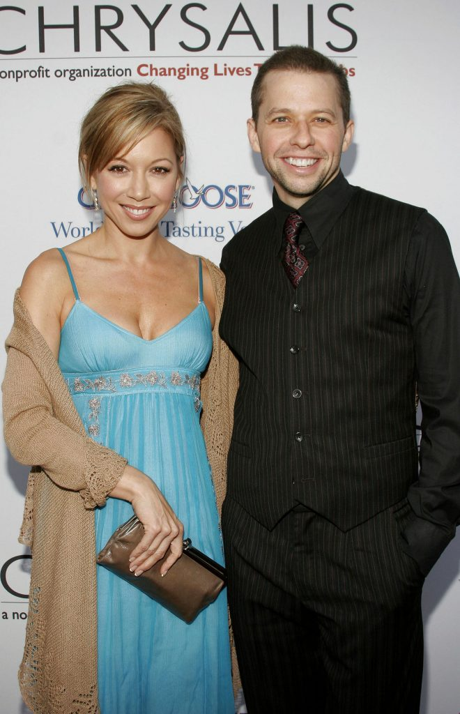 53809569 - jon cryer and lisa joyner at the chrysalis' 5th annual butterfly ball held at the italian villa carla & fred sands in bel air, usa on june 10, 2006.