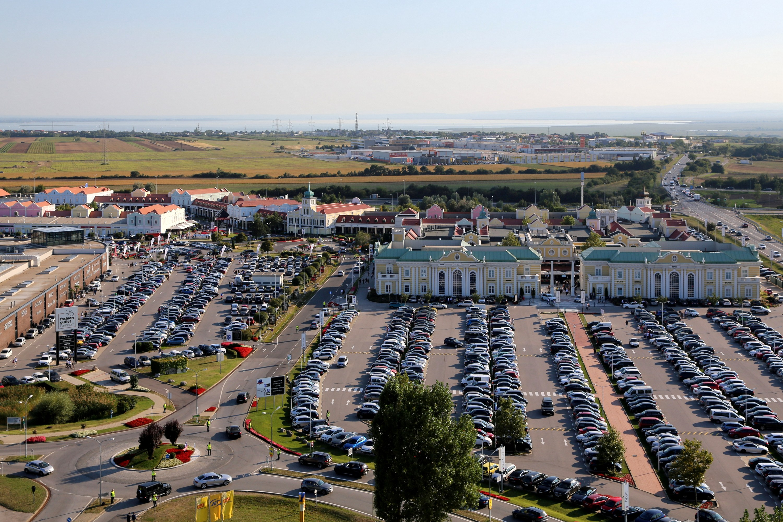 10e6c25832b0 Nakupovanie v Outlete Parndorf je pre mnohých možnosťou