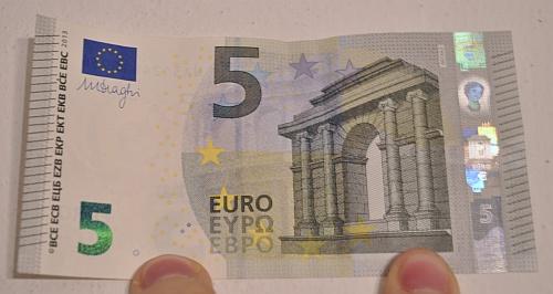 5 EURO bankovka nová 2013