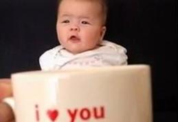 babymugging nový hit bábätká v hrnčekoch