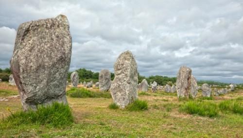 Keltské kamenné bloky v Carnacu