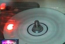 CD explózia pri otáčkach