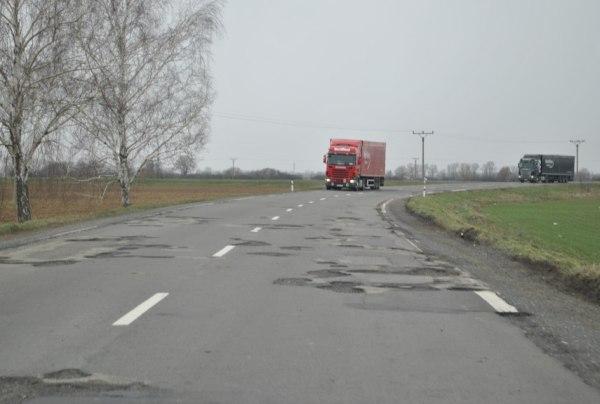 Demandice cesta a kamióny