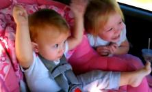 Deti v aute a Gagnam Style
