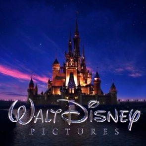 Disney.com logo, čarovný hrad s nápisom, copyright Walt Disney