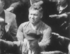August Landmesser nehajloval