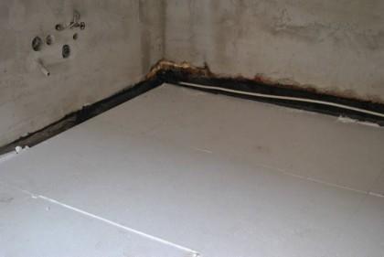 Polystyrén a podlaha